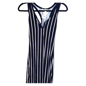 AGACI BLACK AND WHITE STRIPED V-CUT DRESS   NWT